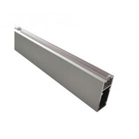 Tubo appendiabito rettangolare con guarnizione alluminio anodizzato trasparente chimico da 3000 mm.